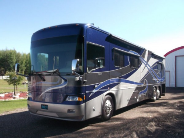 2008 Country Coach 470 Allure 42Ft