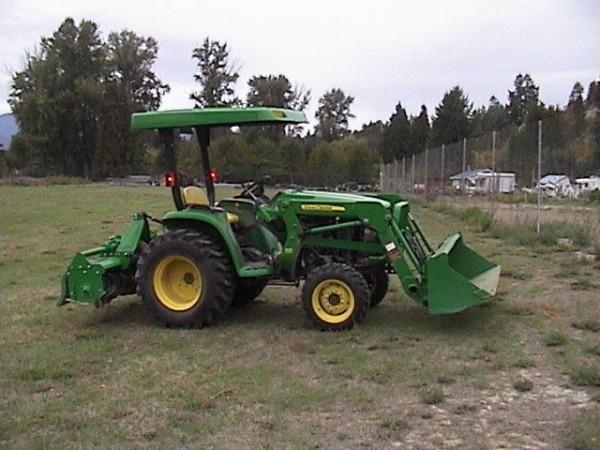 2012 John Deere 4WD 3038E Tractor
