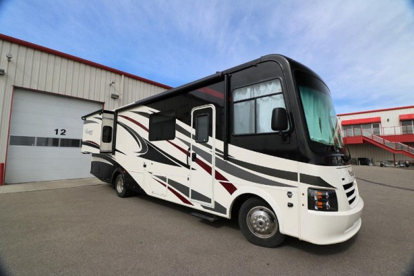 2018 Coachmen Pursuit 31SBP