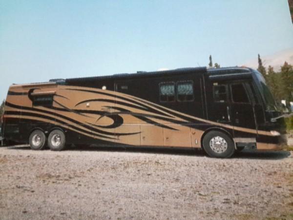 2005 Newmar Essex 4502