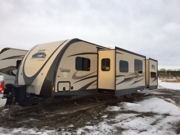 2015 Coachmen Maple Leaf Edition 310BHD