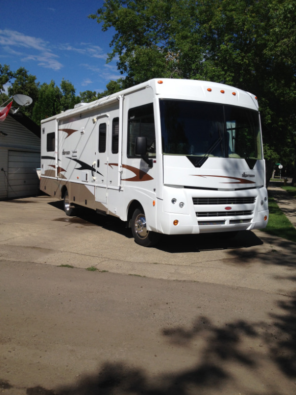 2008 Winnebago  Sightseer 30Ft