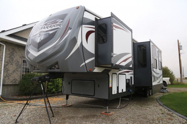 2015 Heartland Road Warrior 415