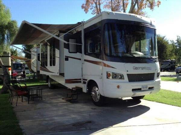 2009 Forest River Georgetown 374TS