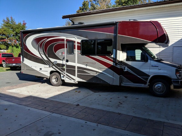 2017 Coachmen Leprechaun 260DSG