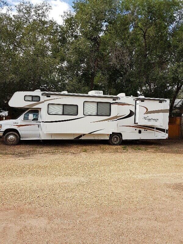 2012 Coachmen Freelander 32ft