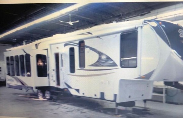 2013 Forest River Sandpiper 330RL