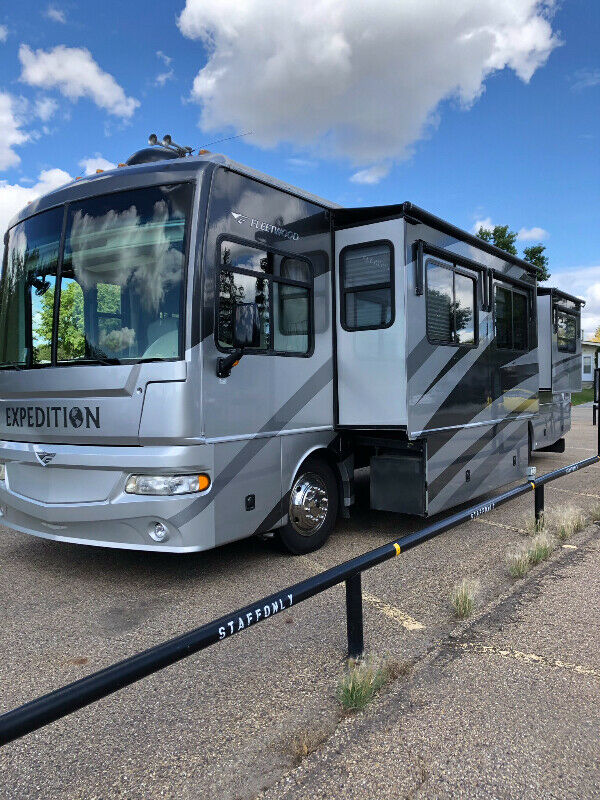 2006 Fleetwood Expedition 38Ft