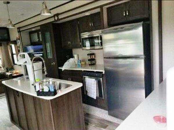 2018 Keystone Residence 401RLTS
