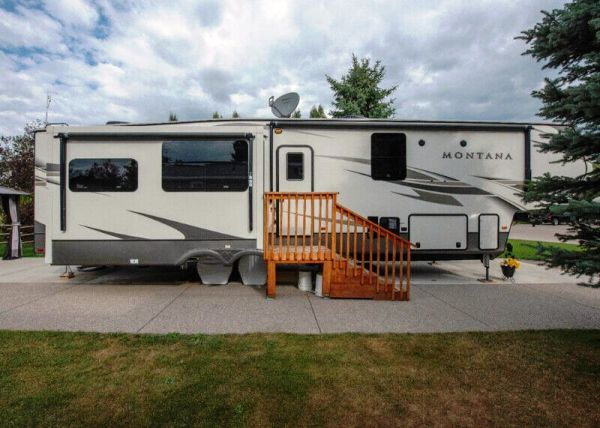 2020  Keystone  Montana 3950FB