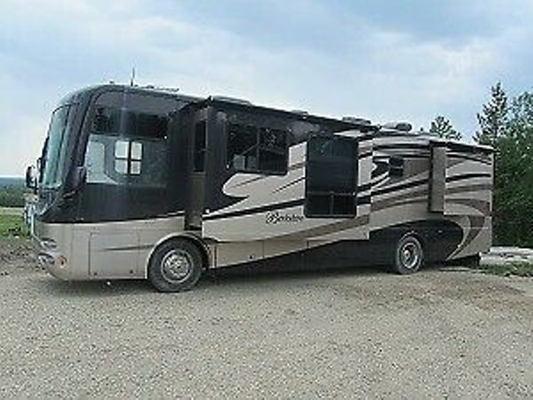 2008 Forest River Berkshire 37Ft
