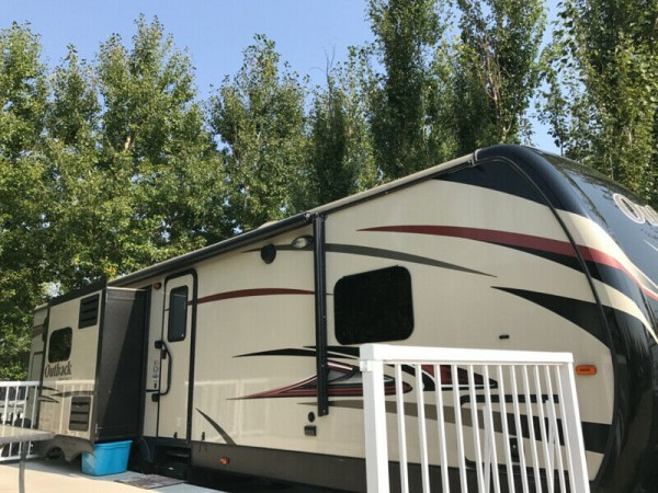 2015 Keystone Outback 323BH Diamond Edition