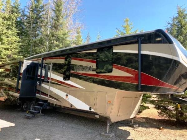2015  Keystone  Montana Big Sky 382R