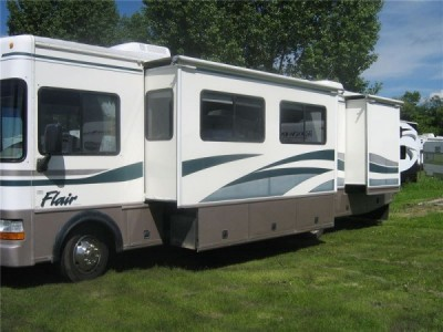 1999 Fleetwood Flair 33