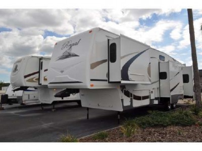 2009 Fleetwood Regal 36RLQS