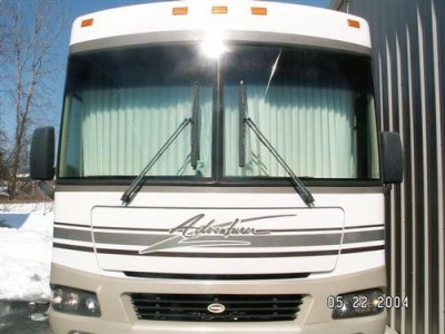 2003 Winnebago Adventurer 33