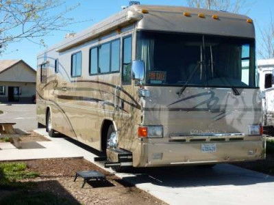 2002 Country Coach Intrigue 40