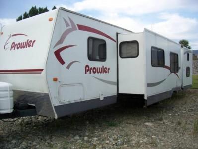 2006 Fleetwood Prowler 31