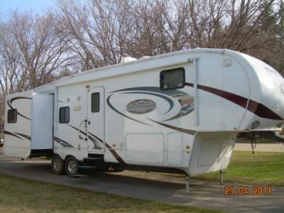 2010 Montana Mountaineer 326RLT