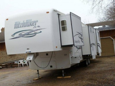 2003 NuWa Hitchhiker 5th Wheel Champagne Edition