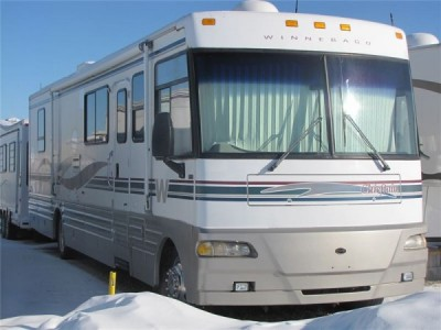 2000 Winnebago  Chieftan 36-ft