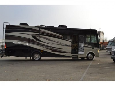 2012 Tiffin 32 CA Premium