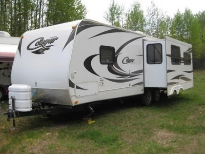 2011 Cougar Travel Trailer 27Ft