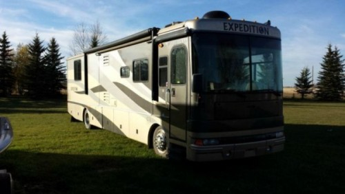 2005 Fleetwood Expedition 38Ft