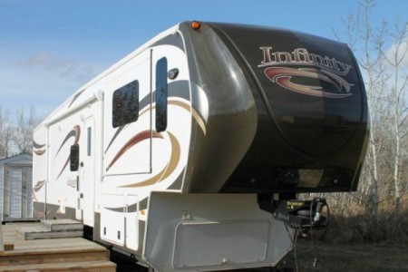 2013 Dutchman Infinity 3750FL 41Ft