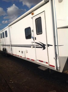 2004 Bison 4 Horse Trailer with Living Quarters