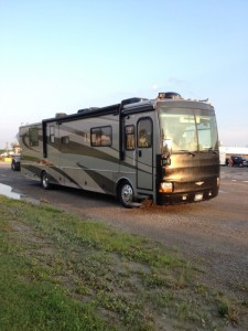 2005 Fleetwood Discovery 39S Class-A