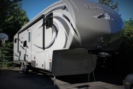 2014 Keystone Montana High Country 36Ft