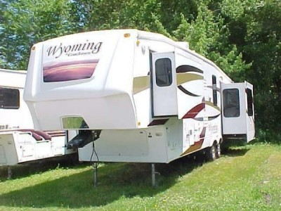 2009 Coachmen Wyoming 335RETS