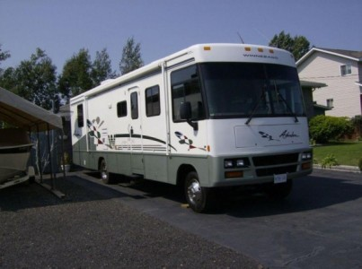 2000 Winnebago Adventurer 36Ft