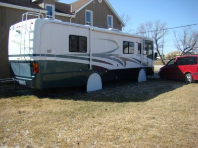 2001 Holiday Rambler Ambassador 32 Foot
