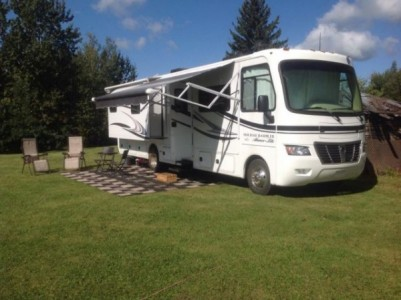 2012 Monaco Holiday Rambler 33Ft