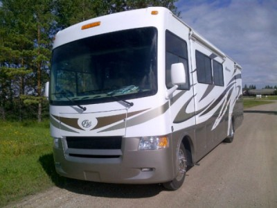 2011 Thor Hurricane 34Ft Bunk House