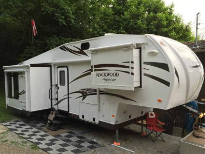 2015 Rockwood Signature 8289WS