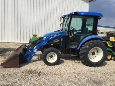 2010 New Holland 3050 Tractor with Loader