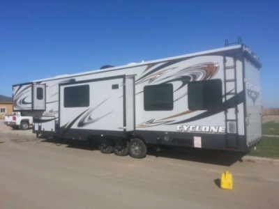 2014 Heartland Cyclone 4000HD Edition