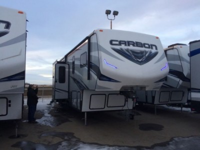2016 Keystone Carbon 327 Toy Hauler