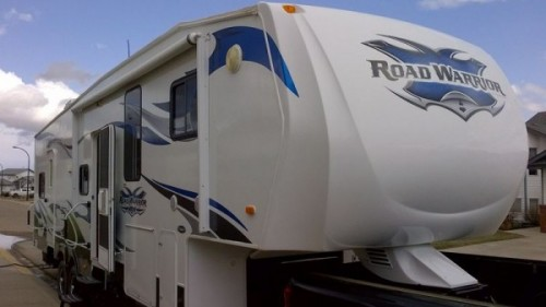 2010 Heartland Road Warrior 36-Foot