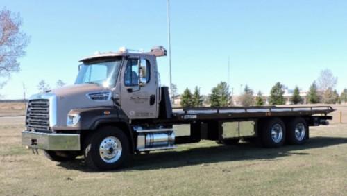 2016 Freightliner 114SD 28ft Deck Truck