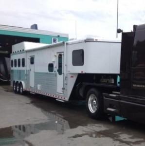 2013 Sundowner Horizon LQ 4 Horse