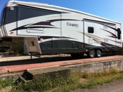 2009 Carriage Cameo 36Ft