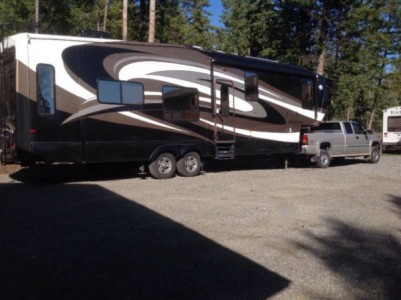 2011 Coachmen Brookstone 367RL