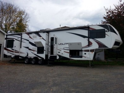 2012 Dutchman Voltage 3795 Toy Hauler