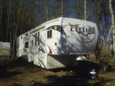 2009 Heartland Cyclone 3950 Toy Hauler