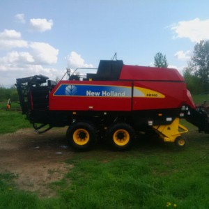 2009 New Holland Square Baler
