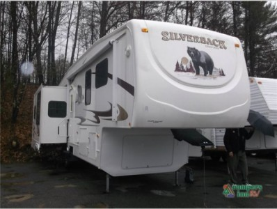2008 Forest River Cedar Creek 29LRGBS Silverback